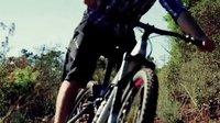 Remy Métallier法国最好的山地车骑手,用完美车技自由驰骋原始森林