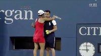 2013美网第一轮 斯齐亚沃尼面对小威,无力保发时拥抱球童求安慰