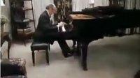 """珍贵视频 霍洛维茨 在家中弹肖邦""""英雄""""波兰舞曲 非官方真实记录"""