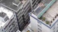 实拍一青年在派出所楼顶跳楼自杀身亡现场