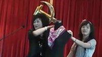 女人丝巾的系法丝巾的打法品牌淘宝搭配【1】【淘宝搜索'丝绸王子'】