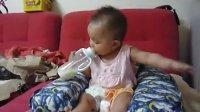 花妮喝奶丑样