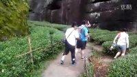 游览虎啸岩