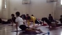 大学里必修瑜伽课