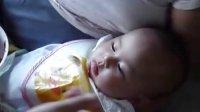 花妮喝西瓜水