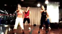Pause Pitbull zumba dance