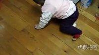 【拍客】10个月宝宝做家务