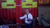 贝贝表演唱歌