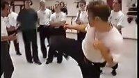 黄锦铭师傅演示截拳道基础步法的练与用