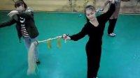 湖南艺术职业学院戏剧系09级戏曲表演班学生2011年下学期身段课堂云帚组合练习录像资料