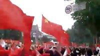 激动之火炬经过南京