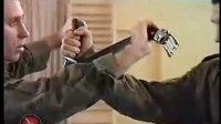 俄罗斯特种部队日常用品用做武器教学