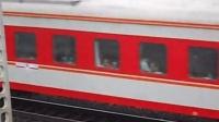 客车K1096通过(04-13)