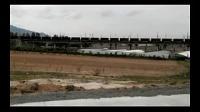 HXD2牵引两万吨重载列车通过