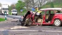 好像是第一台 保时捷 Macan 车祸 波兰