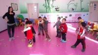 红光农场幼儿园小班(2)刁稼霖宝宝和小朋友活动视频2