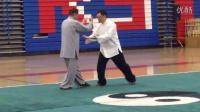 赵幼斌和赵亮老师在美国武术锦标赛开幕式展示杨式太极拳对打