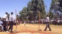 惊呆!肯尼亚年轻人逆天的弹跳力!
