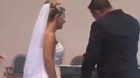婚礼上伴郎的裤子掉了以后