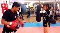 苏州金手套泰拳搏击俱乐部职业拳手月月备战打靶视频2