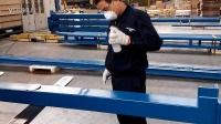 如何使用高博自喷漆对高博产品进行补漆