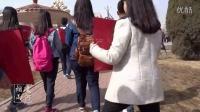 备战2015高考高三学生走上街头为患病同班同学募捐