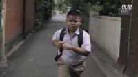 泰国2015超感人短片《垃圾超人》,每个孩子都有守护妈妈一生的梦想~~~