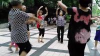 广东韶关十六冶70届3班同学练舞