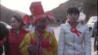 陕西农村结婚风俗-漂亮大眼睛美女新娘,太牛了闹洞房闹新娘