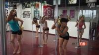 【拍客】成都66岁超牛大爷与少女们共跳性感钢管舞 矫健无比!