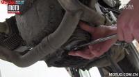 摩托车保养教程:更换机油滤芯器_摩托车之家