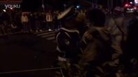 【イレブンスリー】警察VS暴走族 複数人で警察を押し倒し 2015年11月3日