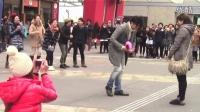 日本,精心策划的求婚现场,如歌舞MV般,感动