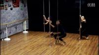 美女钢管舞结合爵士舞蹈,唯美演绎迈克杰克逊风格