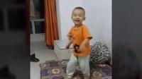 两岁的小孩,都玩极限运动_蹦极了!#开挂牛人##表情帝#