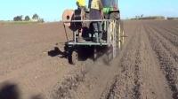 甘蔗地埋滴灌的机械化作业