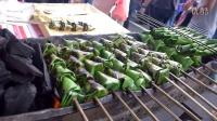 (斋戒月)街边美食- Sata (沙达)烤鱼与椰子包裹