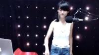 美女DJ舞曲超劲爆DJ飞飞超嗨现场打碟第4集