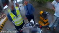 摩托车上高速被拦2