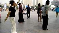 西宁中心广场藏族锅庄视频27《天上的玉树》
