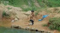 松桃盤石---小孩游泳