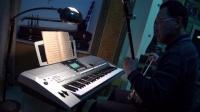 我拉二胡,我弹电子琴,二者配合一首《二泉映月》【以前(2011)版】