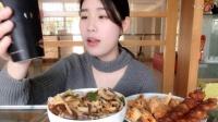 41.吃播 螺蛳粉 正新鸡排和肉串 牛奶烧仙草