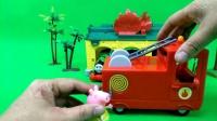 小猪佩奇的消防车 托马斯家着火 佩奇乔治来救火