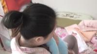 2013-11-16_11-19-55_郑州市_05个月25天_妈妈抱我问我在嚼啥子