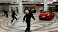 富二代装逼,开法拉利跑车逛商场,保安围堵