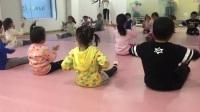西安幼儿舞蹈启蒙 少儿中国舞考级勾绷脚训练 儿童舞蹈培训 鑫舞曹老师