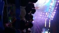 章小军的演讲和唱歌视频