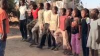 非洲小孩看了《战狼2》后