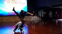 一一双人舞。优秀学员示范